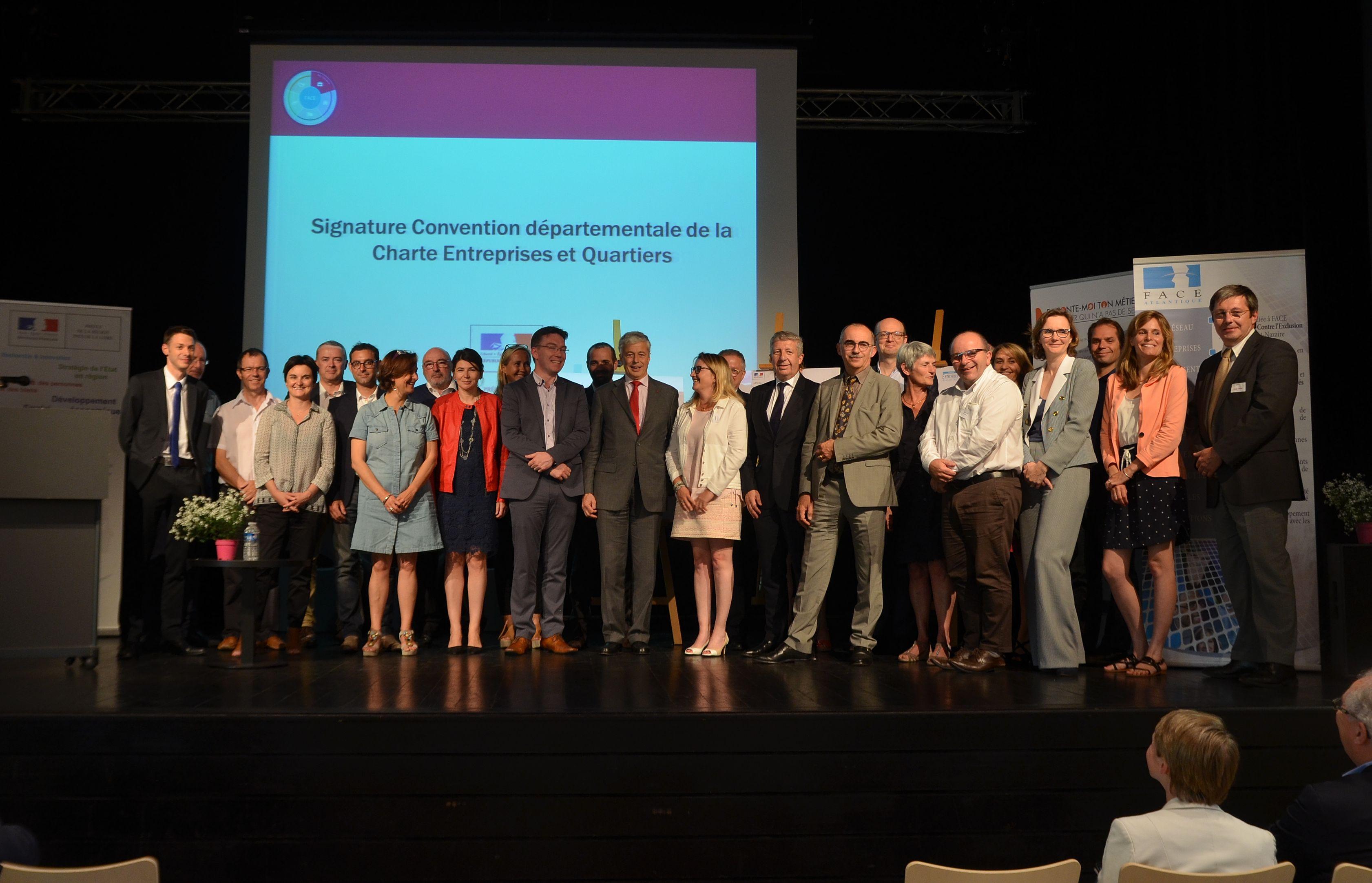 Signature de la convention de la charte entreprise et quartier 6 juillet 2016 Nantes 10 ans de Face 44